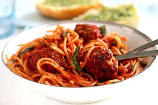 italienske kødboller med tomatsauce
