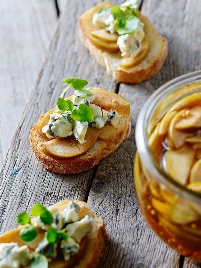 Syltede æbler med blå ost