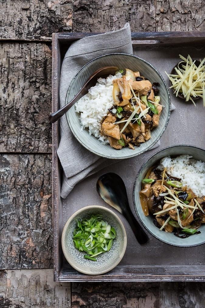 Kylling i wok med ingefær og svampe