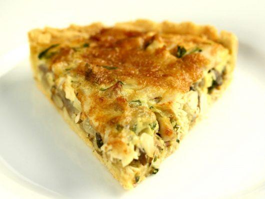 Tærte med kylling, champignon og estragon