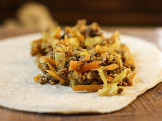Pirogger med oksekød og varme krydderier