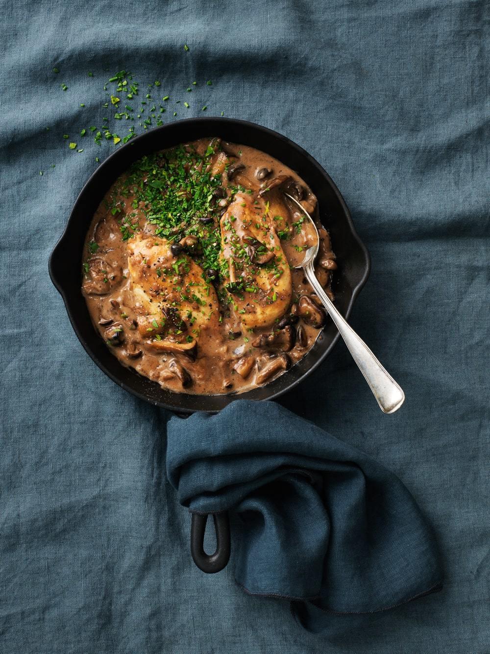 kylling med svampe sause - en lækker og lun efterårsret