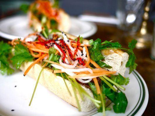 Vietnamesisk burger (bahn mi inspireret burger)