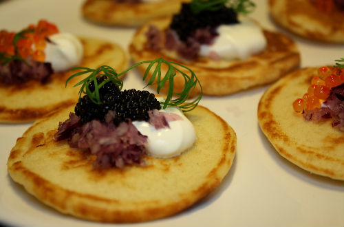 Kanapéer | Melbatoast med to slags flødeost