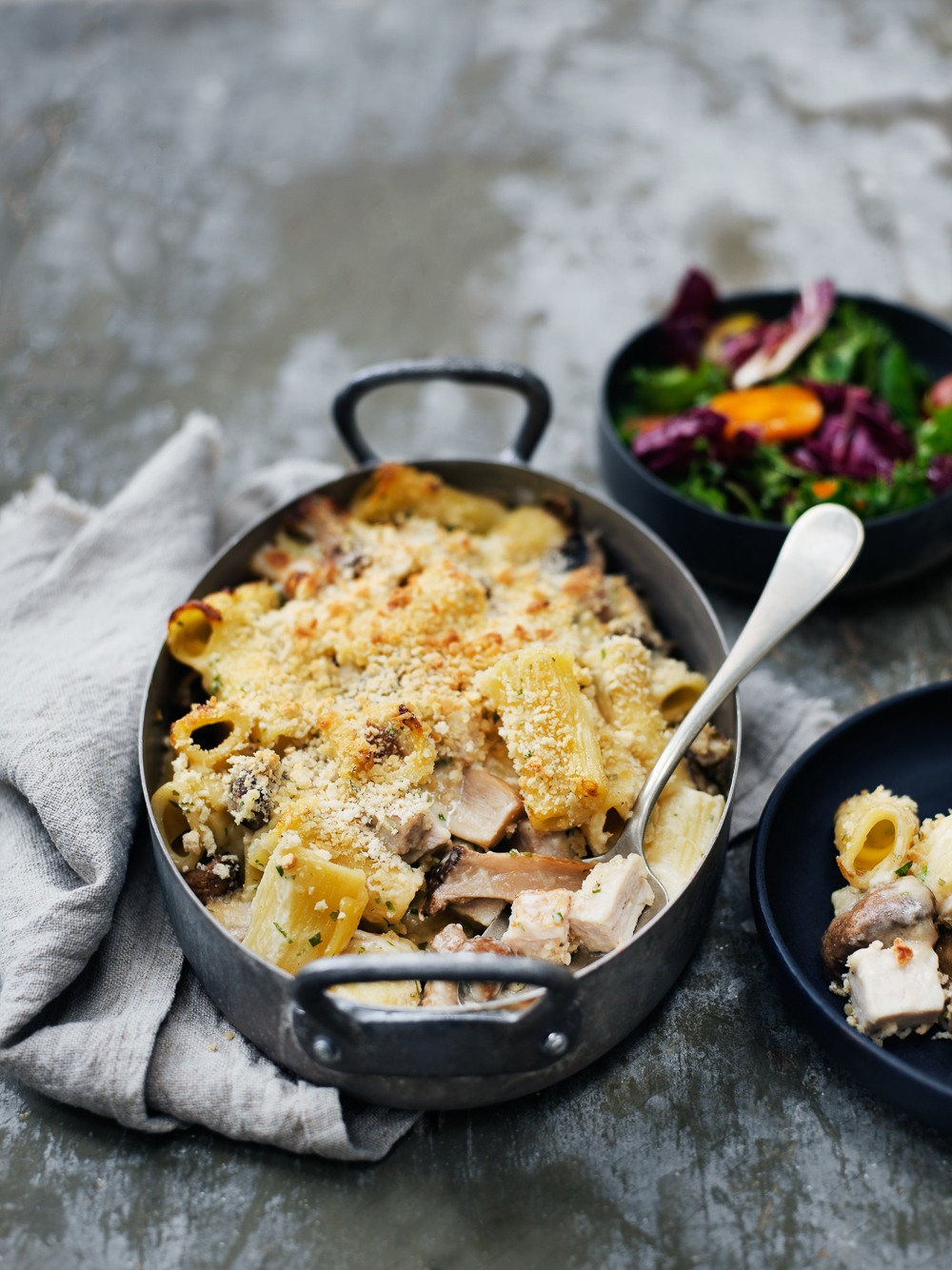Mac and cheese - pasta i cremet ostesauce med svampe og skinke