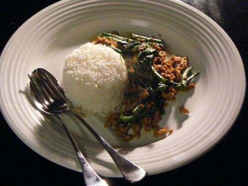 Thai stir fry med hellig basilikum (Pad Krapow)
