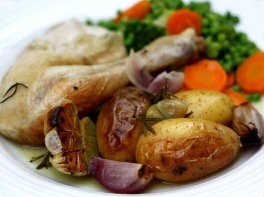 Langtidsstegt kylling med hvidløg og rosmarin